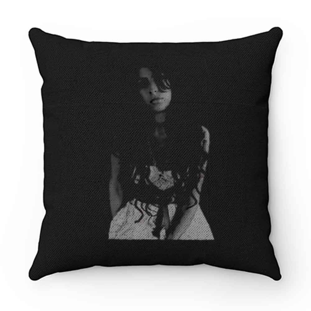 Amy Winehouse Pose Pillow Case Cover